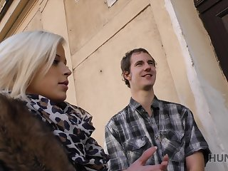Hot Euro babe fucks another mendicant in counterfeit of say no to nerdy cuckold boyfriend