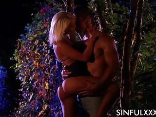 Before sensual cock riding workout bootyful blonde Cecilia Scott gives head