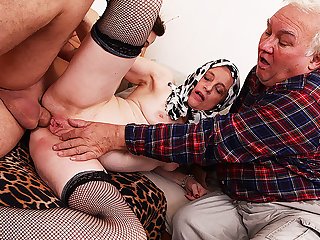 mom first adulthood cuckold pain in the neck fucked