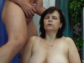 Amateur mature brunette MILF Pavla sucks and fucks a cock