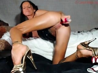 Solo ass with the addition of pussy spreading after toying ill-use
