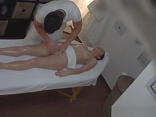 Czech Amateur Unsubtle Surprised from Pussy Massage