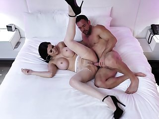 Cougar wife spreads for this lay out together with deals his dick right