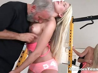 Horny blondie with sexy ass lets bearded person eat her wet pussy