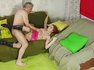 Old impoverish shows this redhead proper orgasms
