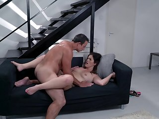 Mommy gets the dick after she sucks like a thirsty hooker