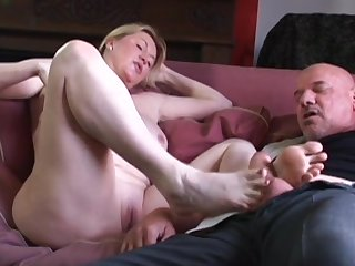Unskilful wife Desi Foxx makes him hard with a BJ and rides him